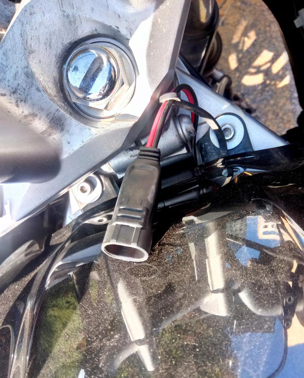 2 petites question Batterie de démarrage ... Img_2010