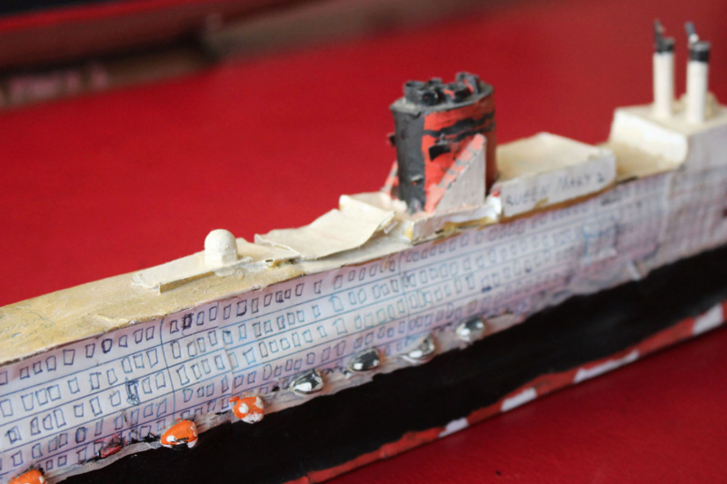 RMS Queen Mary 2 [Revell Platinium Edition v. LED 1/400°] de Jearchy Img_8029