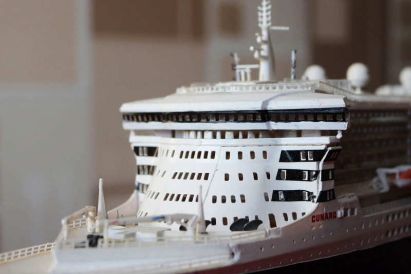RMS Queen Mary 2 [Revell Platinium Edition v. LED 1/400°] de Jearchy Img_8031