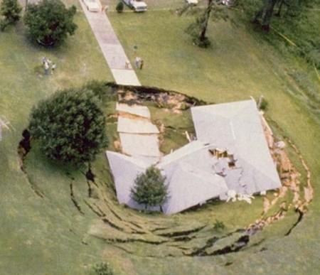 L'étrange phénomène des trous terrestres Florid10