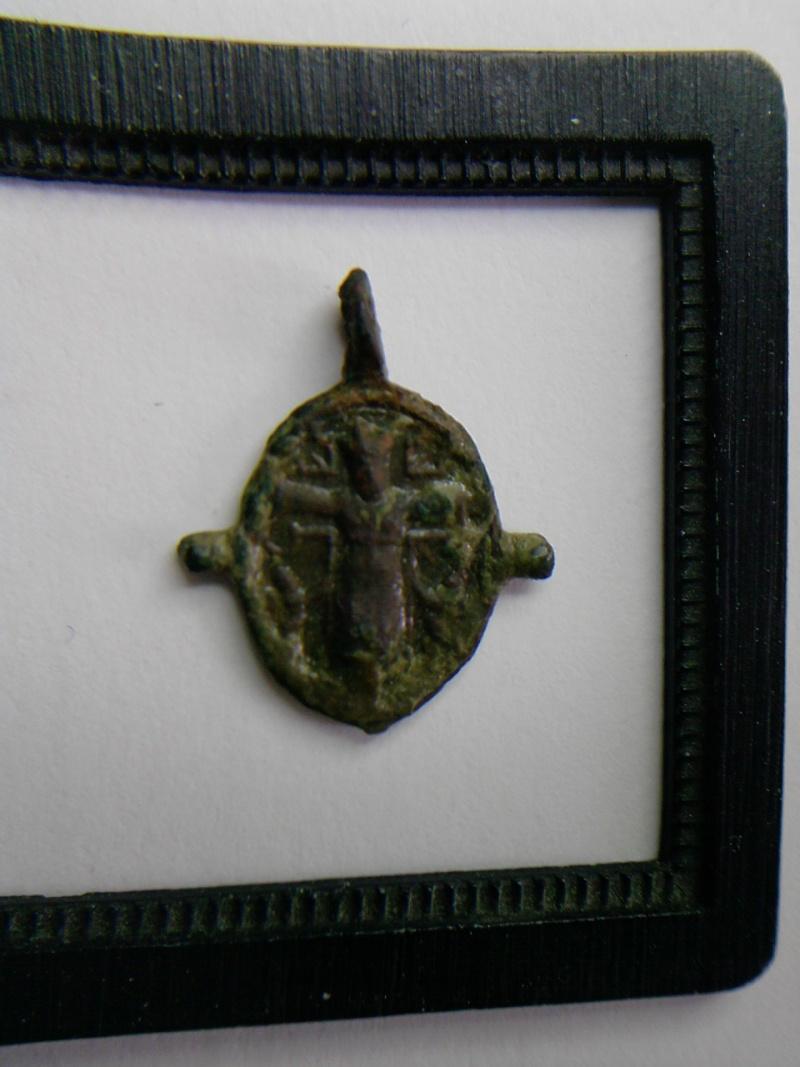 Médaille représentant le crucifix St-Sirolo / N-D-de-Lorette P0305112