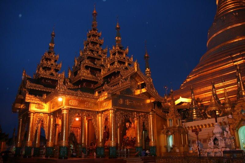 La pagode Shwedagon, Yangon, Birmanie Img_9812