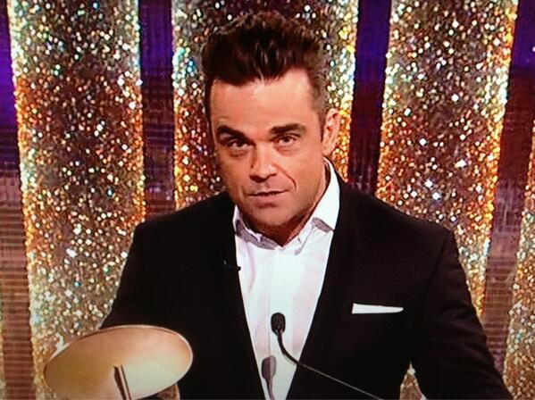 Robbie dans Saturday Night Takeaway 06/04/2013  30574_10