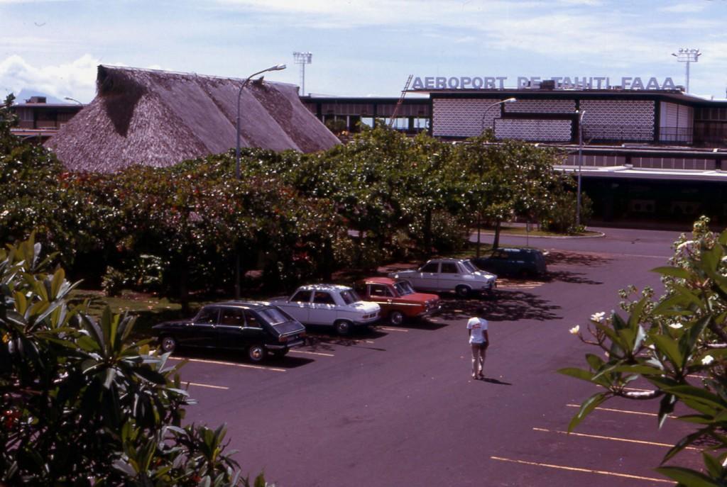 Tahiti] Aéroport Faa'a  durant les campagnes. 1974_010