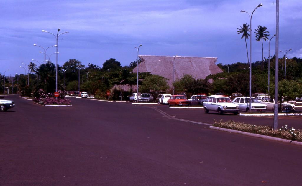 Tahiti] Aéroport Faa'a  durant les campagnes. 1974_011