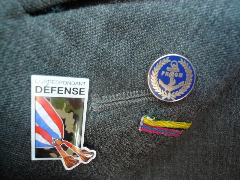 [ Logos - Tapes - Insignes ] Insignes revers de veste P1060010