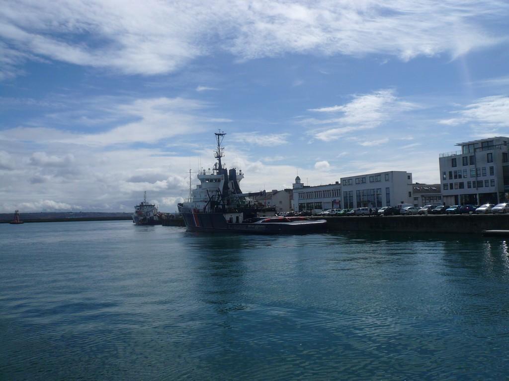 [Activité des ports, pêche plaisance] BREST 2007 - Page 3 P1110019