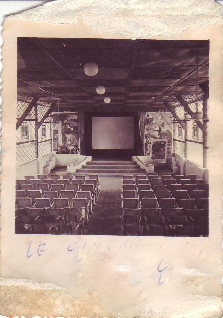 - Ou ce trouvait ce Cinéma/bar.  ??????? Act12