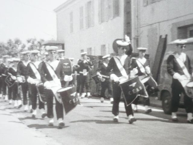 [La musique dans la Marine] Les fanfares des écoles... - Page 2 Musiqu10