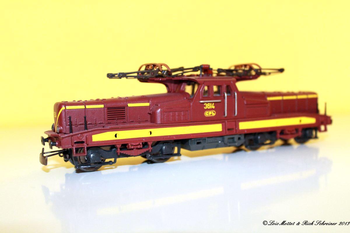 CFL Série 3600 Img_1911