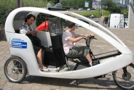 Les vélos taxis  , un nouveau  job bien sportif ! Valo_t10