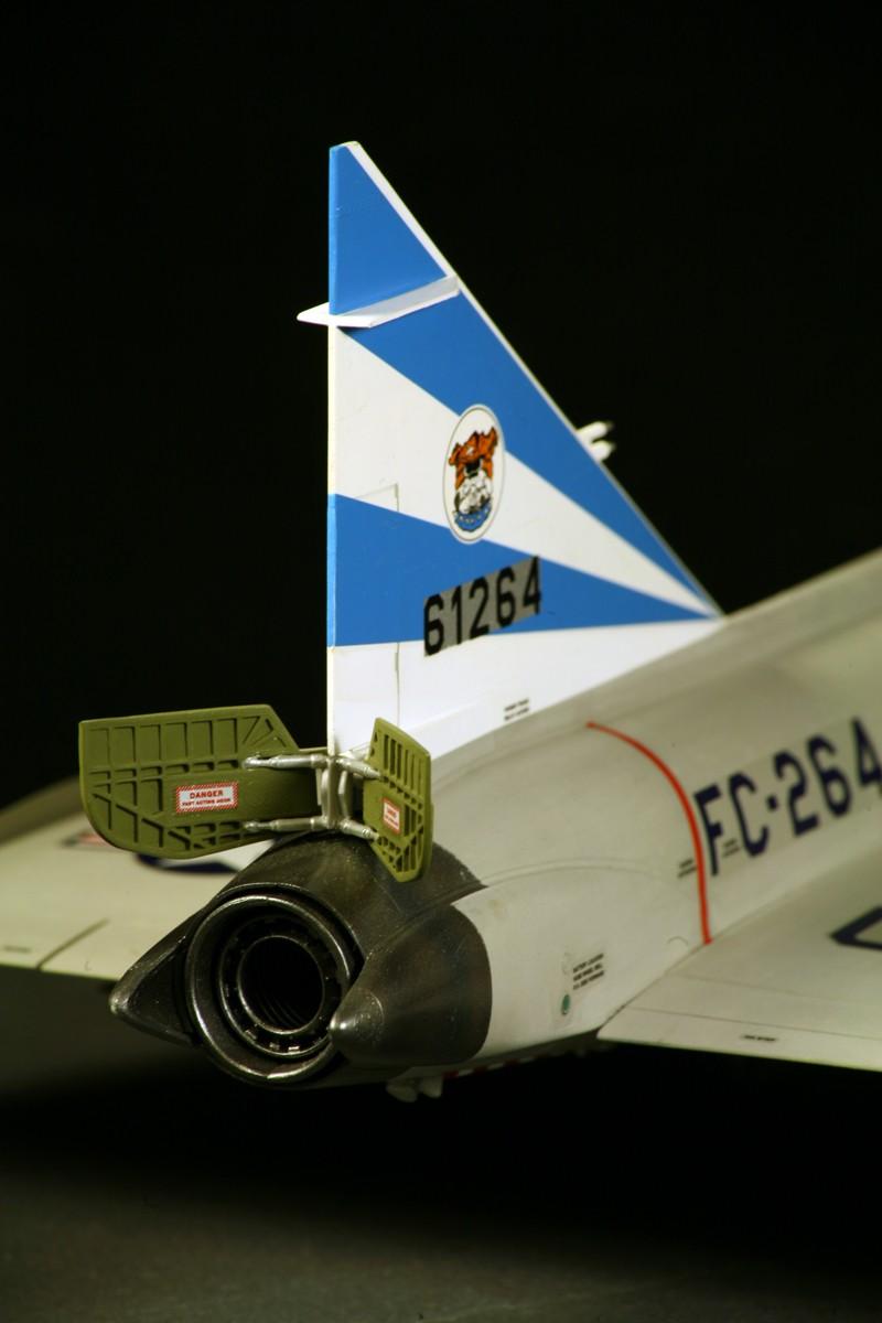 """Convair F-102A """"Delta Dagger"""", 1960  [1:48 - Revell] Convai21"""