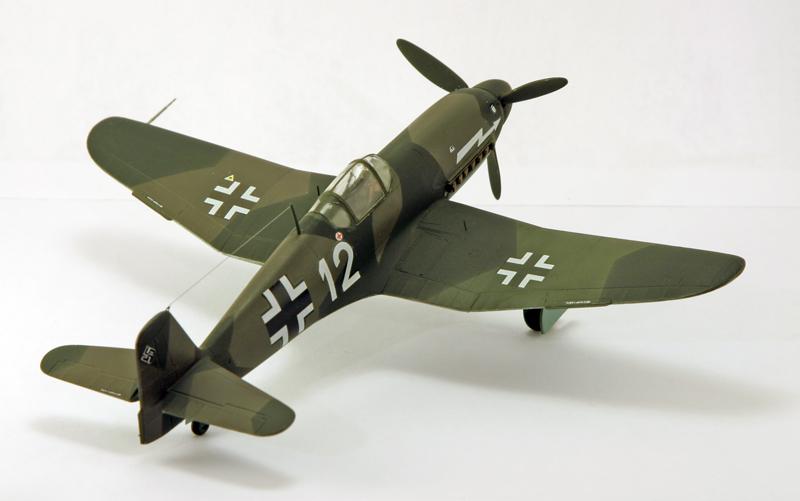 Heinkel He 100D en duo, 1:48 HiPM & 1:72 MPM Heinke12