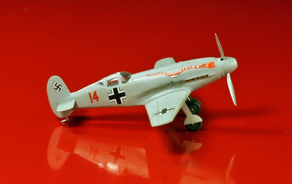 Messerschmitt Me 209 V4 (1939/41)   [1:72 - HUMA-Modell] Me_20914