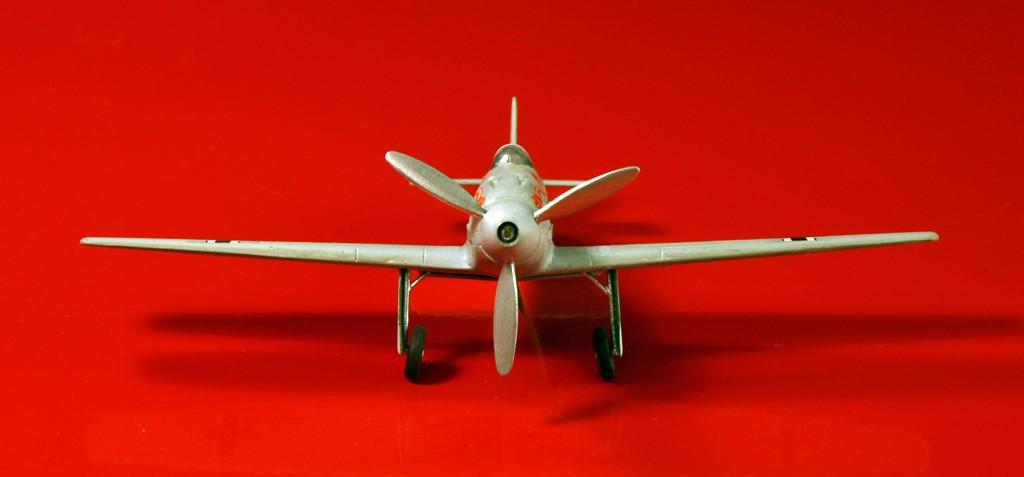 Messerschmitt Me 209 V4 (1939/41)   [1:72 - HUMA-Modell] Me_20921