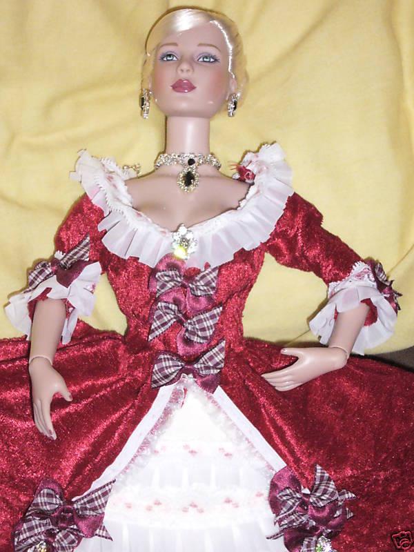 Objets inspirés par Marie Antoinette - Page 5 Barbie10