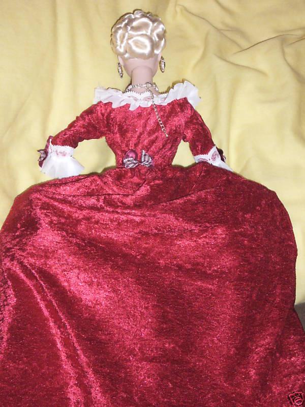 Objets inspirés par Marie Antoinette - Page 5 Barbie11