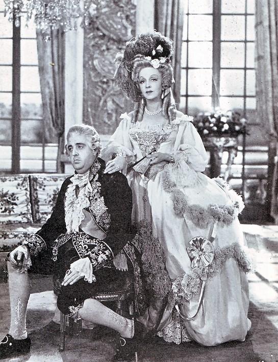 Quelle actrice pour incarner Marie Antoinette ? - Page 3 Macoll10