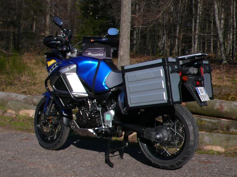Le must de chez Touratech pour la 1200 (un bon début !) P1020111