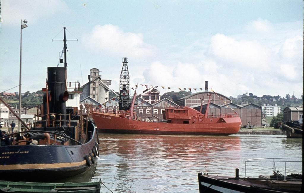 [Vie des Ports ] Port de La Rochelle  - Page 8 Bateau15