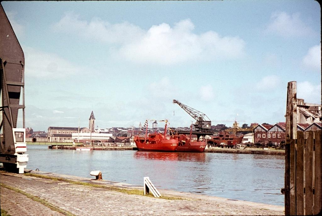 [Vie des Ports ] Port de La Rochelle  - Page 8 Bateau16