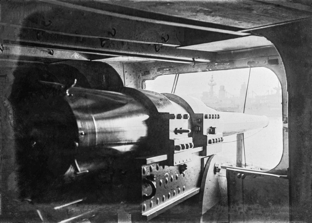 [Les différents armements dans la Marine] Pour changer, si l'on parlait canons... - Page 4 Grosse10