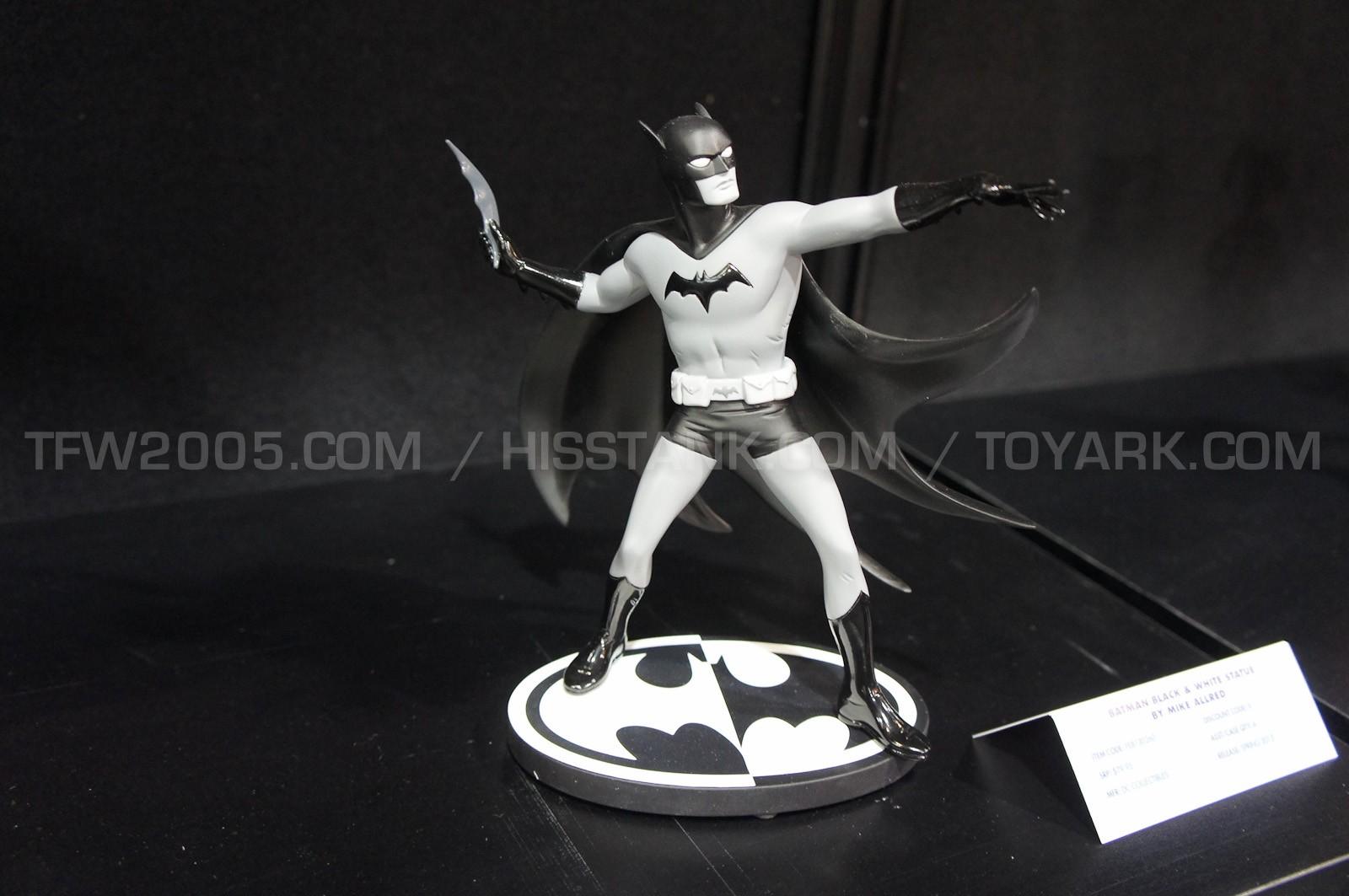 BATMAN BLACK & WHITE #44 : MICHAEL ALLRED Batman10