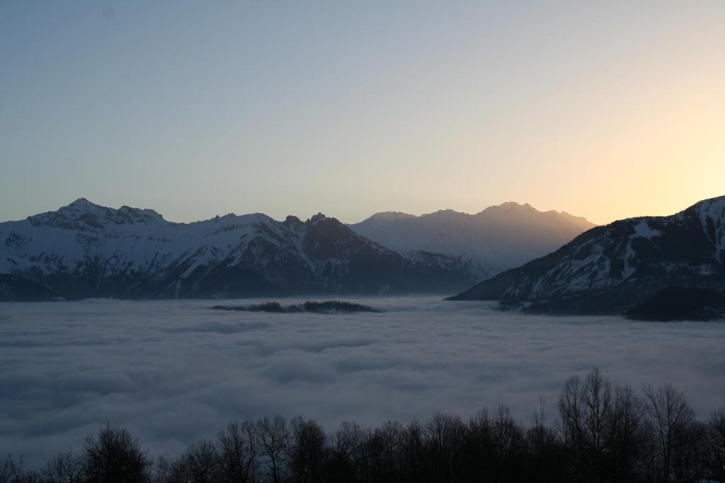 Pour les amoureux de la montagne et des sports d' hiver MAJ 2015 bas de page 4 - Page 2 Leva110