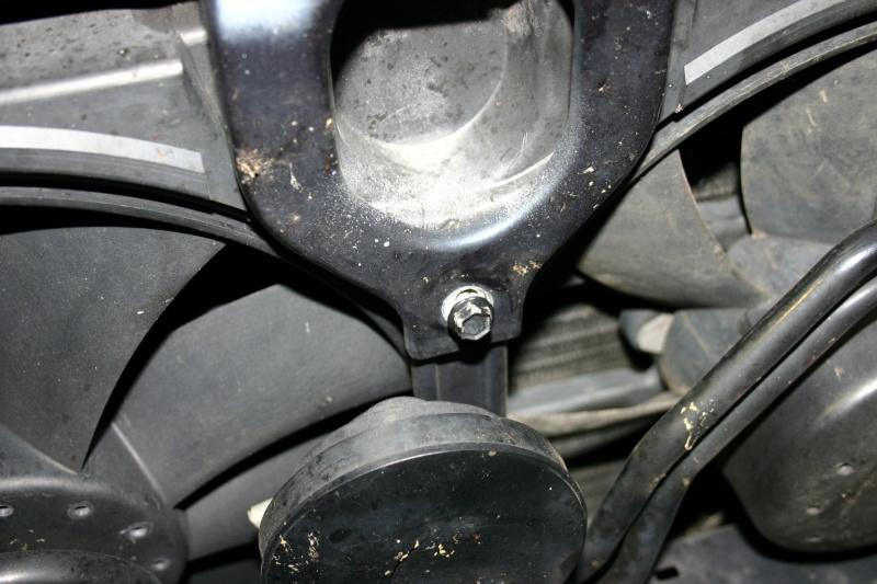 [TUTO] Changement courroie d'accessoires + tendeur sur 300 Turbo D W210 Img_2772