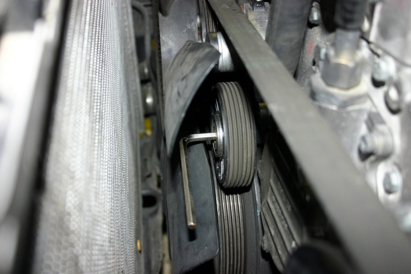 [TUTO] Changement courroie d'accessoires + tendeur sur 300 Turbo D W210 Img_2779