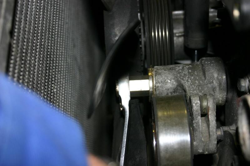[TUTO] Changement courroie d'accessoires + tendeur sur 300 Turbo D W210 Img_2784