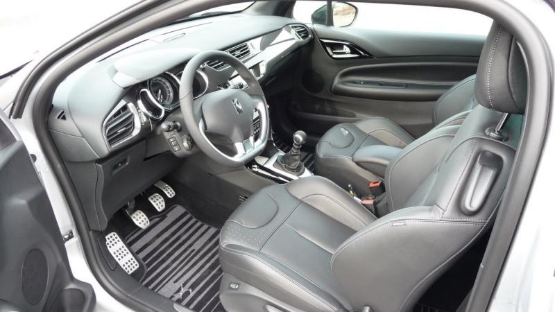 DS3 1.6 THP 155 Sport Chic / Gris Aluminium - toit Noir Onyx P1030519