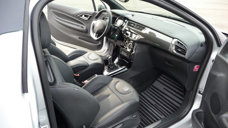 DS3 1.6 THP 155 Sport Chic / Gris Aluminium - toit Noir Onyx P1030520