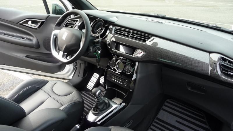 DS3 1.6 THP 155 Sport Chic / Gris Aluminium - toit Noir Onyx P1030521