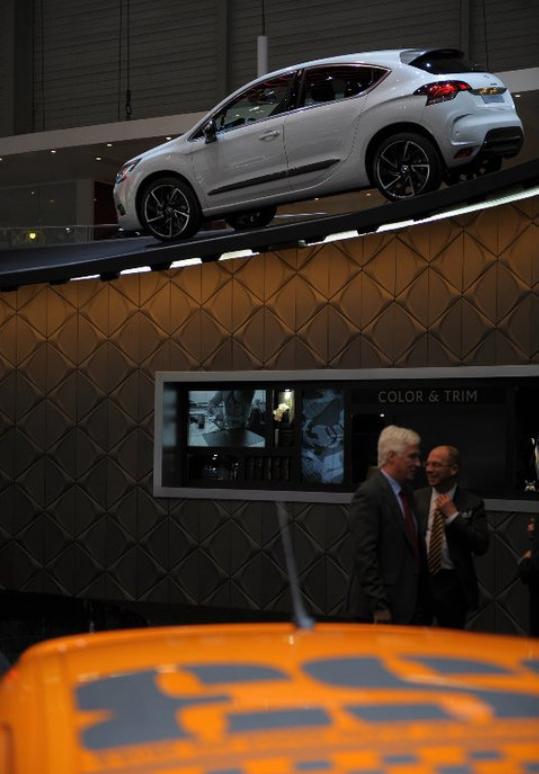[SALON] GENEVE 2011 - Salon international de l'auto - Page 7 Sans_t66