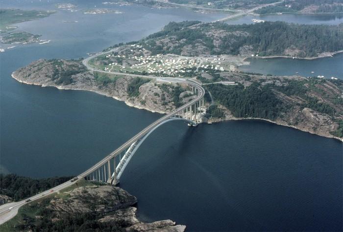 La catastrophe du pont de l'Almö en Suède (18 janvier 1980) Almobr10