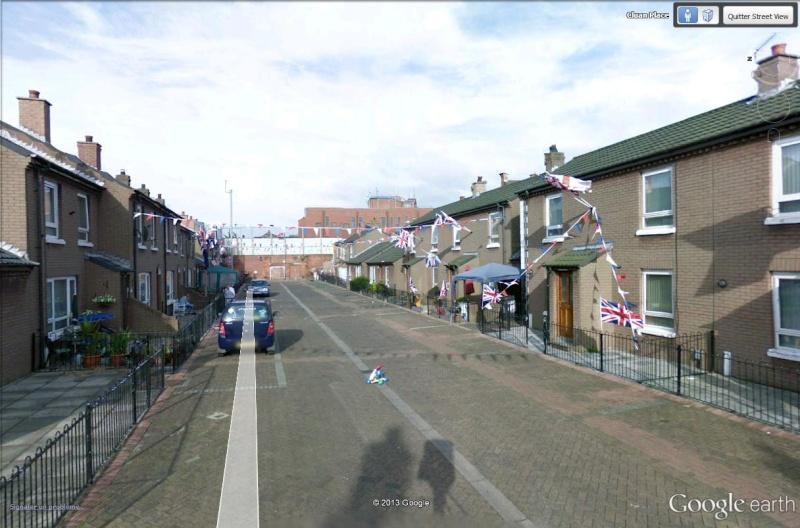 """[Royaume-Uni] - Les barrières de séparation de Belfast (""""Murs de la paix..."""") Cluan_13"""