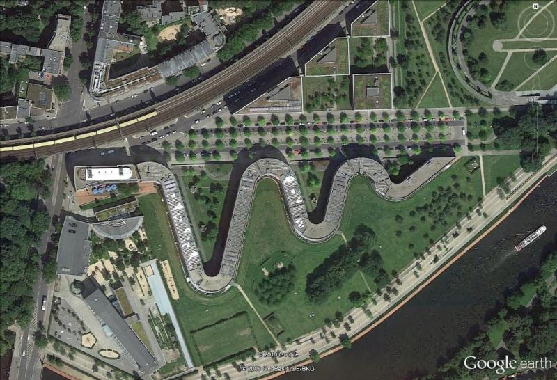 Residential Snake, Munich, Allemagne Reside10