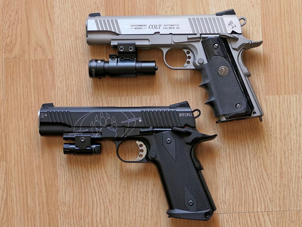 Achat plaisir vraiment satisfaisant. Cybergun Colt 1911 rail gun stainless Blackw13