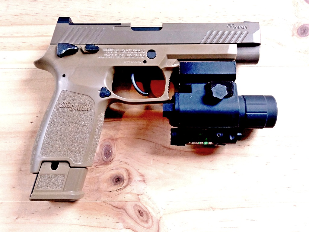sig sauer 320 M17 coyote co2 blowback Img_2012