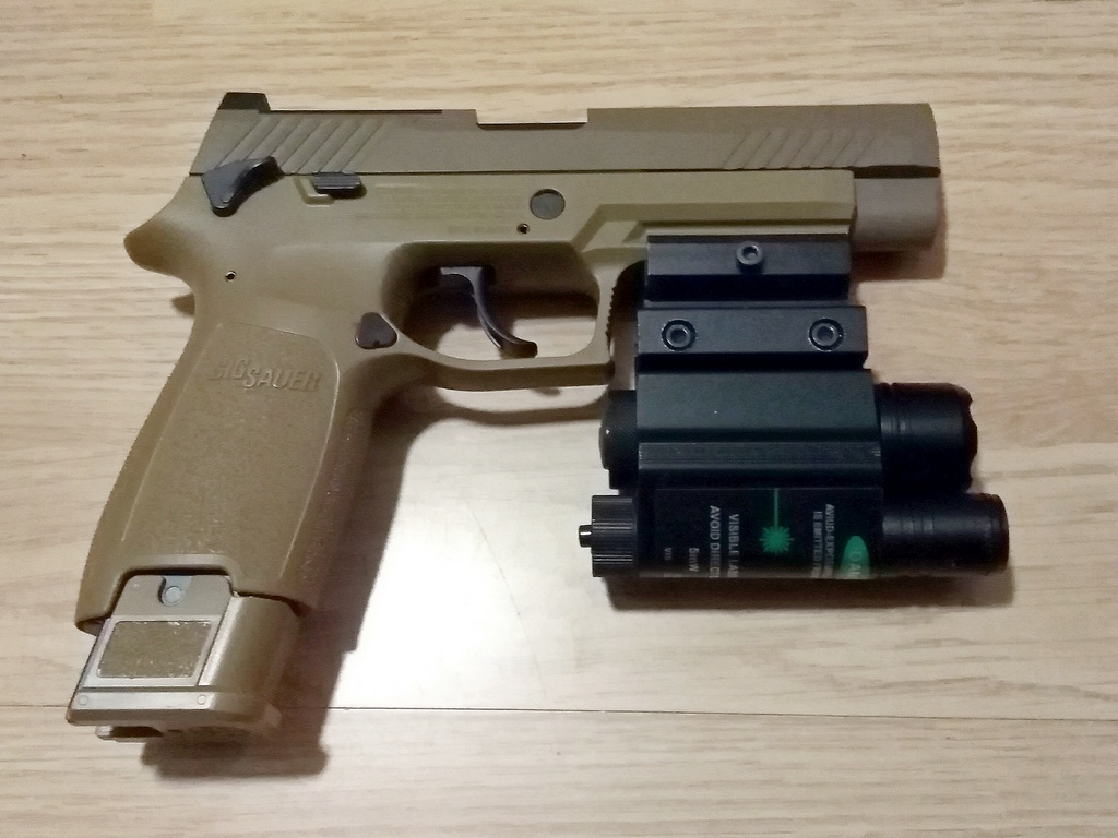 sig sauer 320 M17 coyote co2 blowback Img_2013