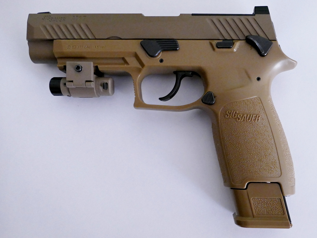 sig sauer 320 M17 coyote co2 blowback - Page 2 Microl11