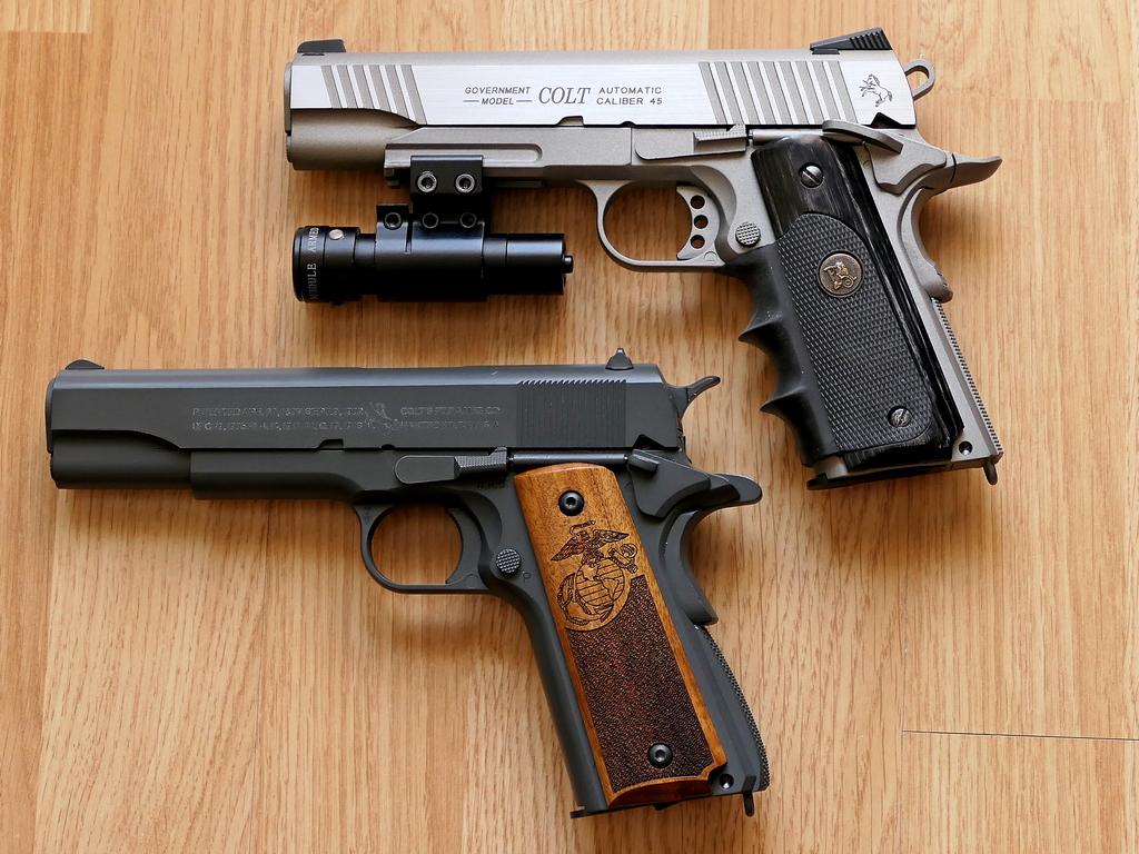 Achat plaisir vraiment satisfaisant. Cybergun Colt 1911 rail gun stainless Parker12