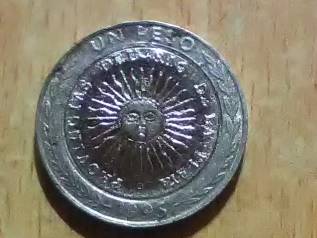 Pedido de identificacion moneda argentina.  Img_2010