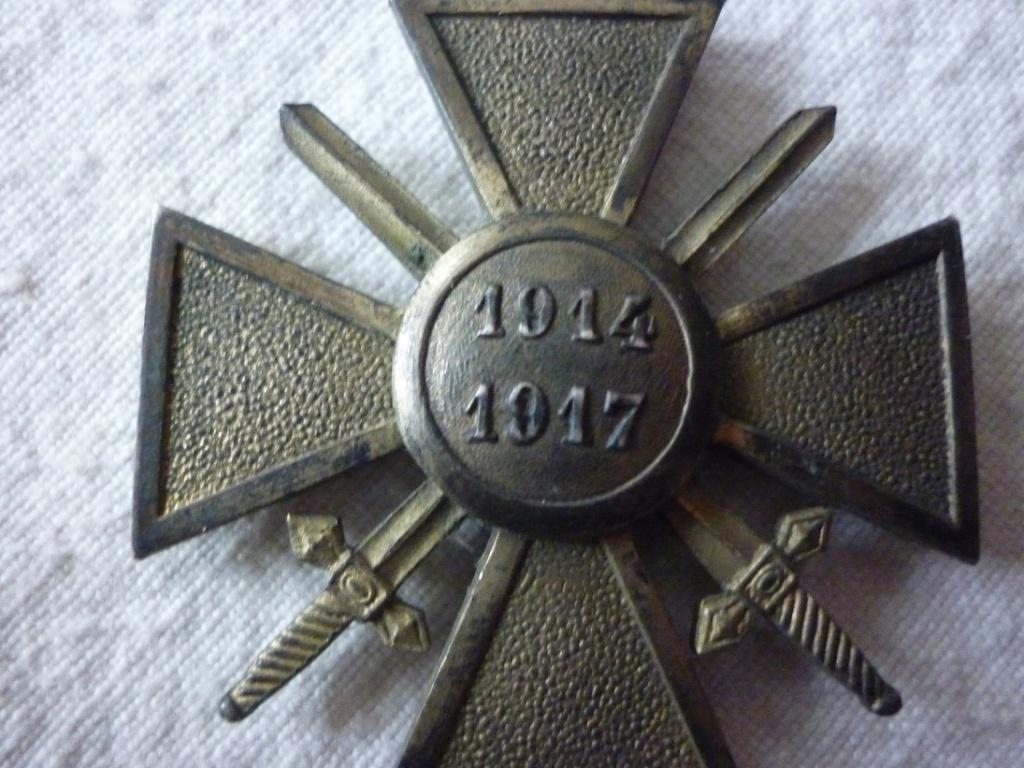 croix de guerre métal doré? P1880712