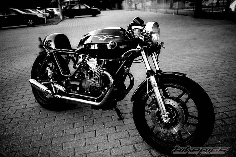 Guzzi v50, ou comment transformer un tréteau en racer Bikepi12