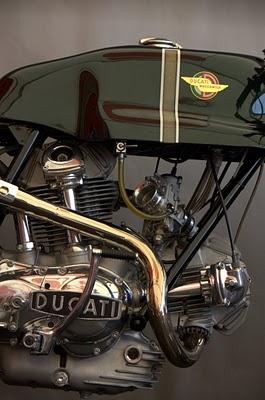 Photo page de garde pour les Ducateux Ducati14