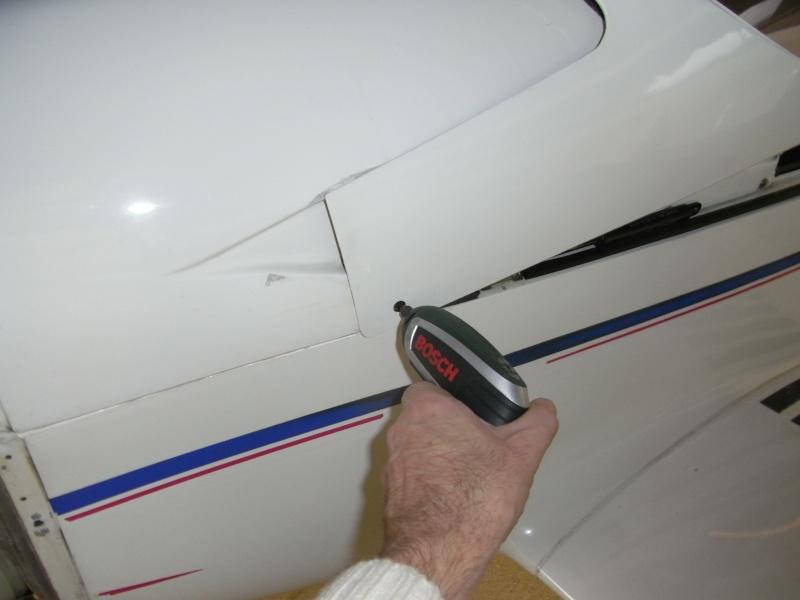 DIDACTICIEL: Comment accéder à l'arrière du tableau de bord? Rimg0336