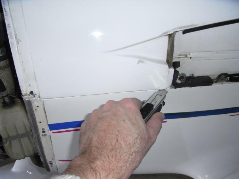 DIDACTICIEL: Comment accéder à l'arrière du tableau de bord? Rimg0344