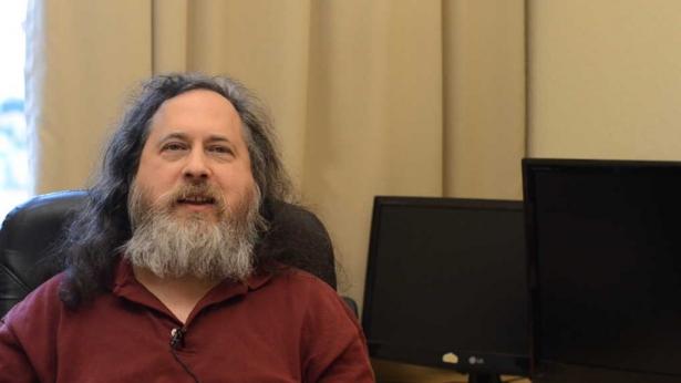 Richard Stallman cumple 60 años, sigue luchando por nuestra libertad Richar10